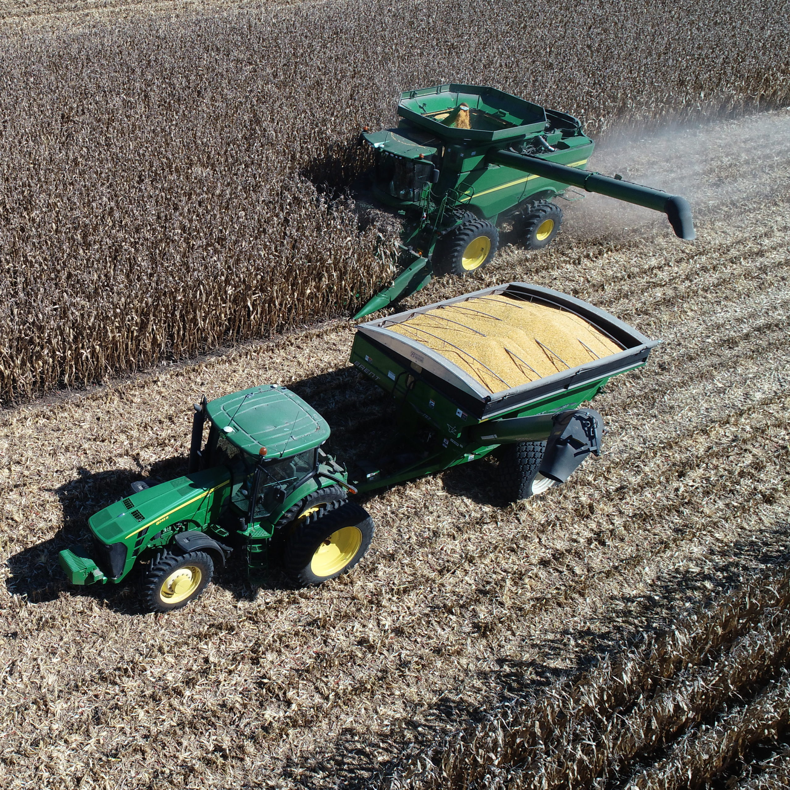 combine and auger wagon